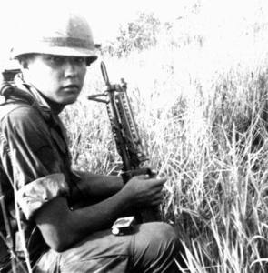 Spc.4 (later Sgt.) Bradley Jimerson with his M60 machine gun in Vietnam, ca. Feb. 1968. (Credits: Bradley Jimerson)