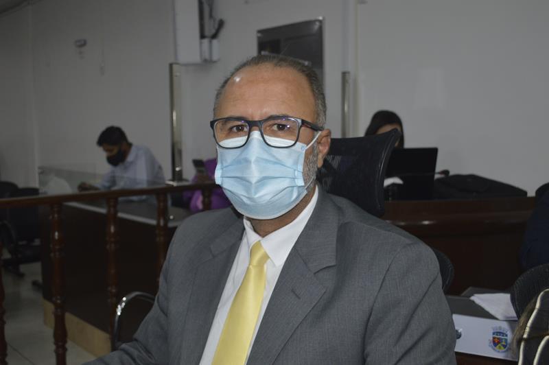 """Imagem """"Ninguém aqui quer lockdown. Queremos a vacina"""", afirma o vereador  Valdemir Dias"""