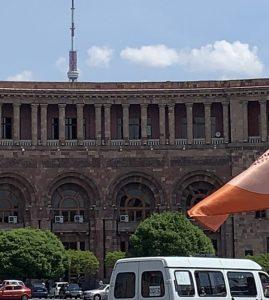 ՀՀ կառավարության հայտարարությունը աշխատավարձի և կենսաթոշակի մասին