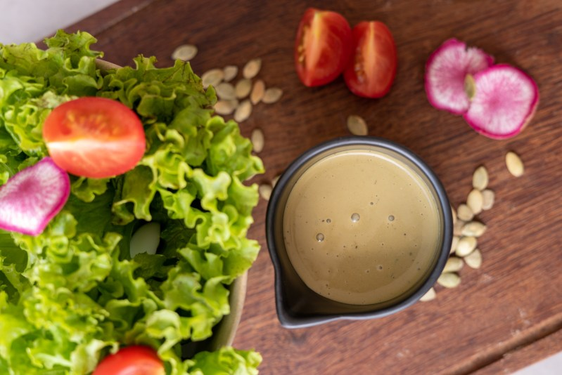 molho para saladas de manjericão