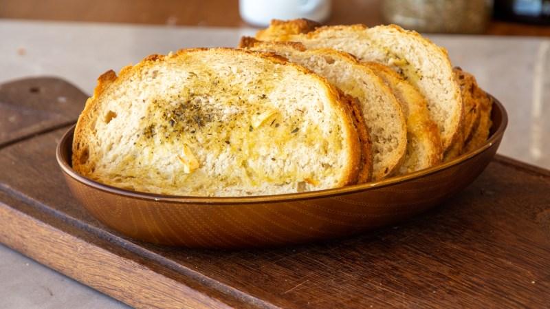 torrada para sopa ou salada caseira