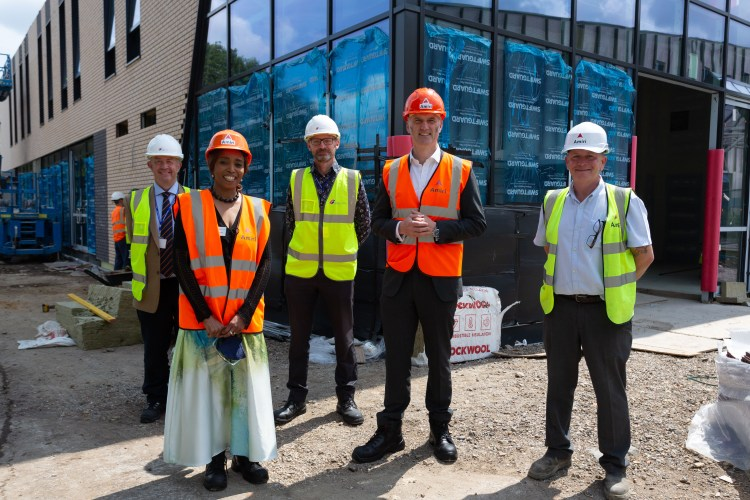 Leo Docherty MP Visit ARIC and U Block-7