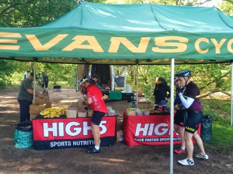 Standard Evans High5 refuel stop with tonnes of jelly babies, flapjack and bananas