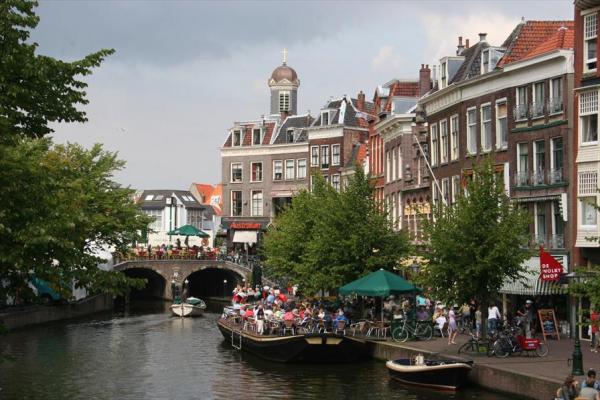 Zaterdag 17 augustus bootje varen Leiden