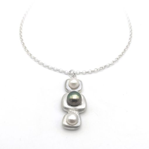 Stepping Stone Silver Pearl Necklace