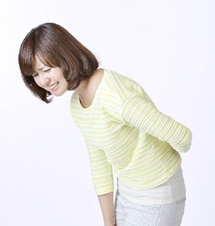 女性 屈むと痛い腰痛