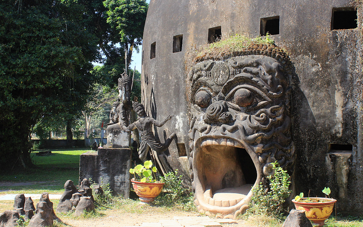 From Vientiane to Buddha Park (Xieng Khuan), Laos