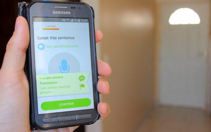 """Duolingo language app showing spanish phrase """"Soy casi otra persona""""."""