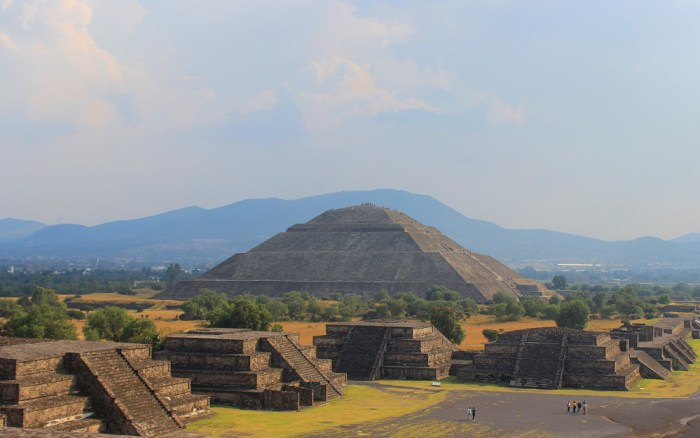 The Pyramid of the Sun seen from the Pyramid of the Moon in Teotihuacán, Mexico.