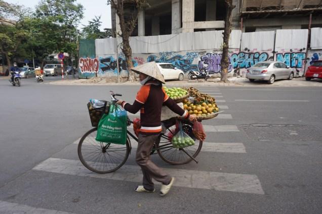 Aktivitas Hanoi Pagi Hari