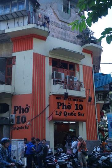 Warung Pho, Jam Makan Siang Antri Banget