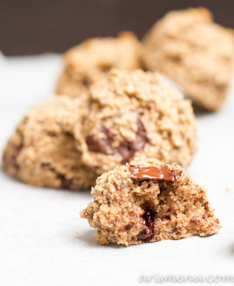 Almond Meal Baileys Chocolate Chunk Cookies #vegan #glutenfree