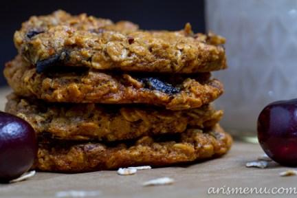 fPeanut Butter Oatmeal Cookies with Dark Chocolate, Cherries & Coconut #vegan #glutenfree