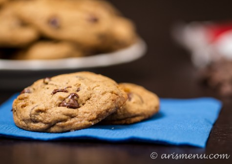Chocolate Chip Cookies #vegan via arismenu.com