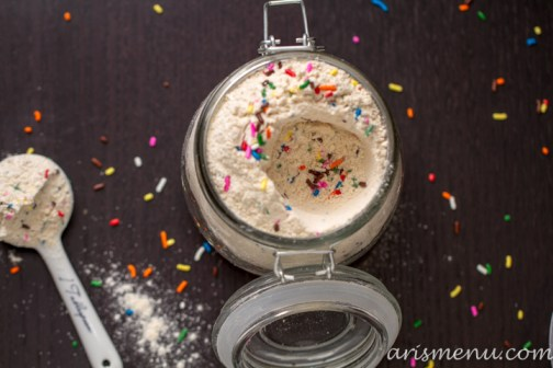 DIY Funfetti Cake Mix #vegan via www.arismenu.com