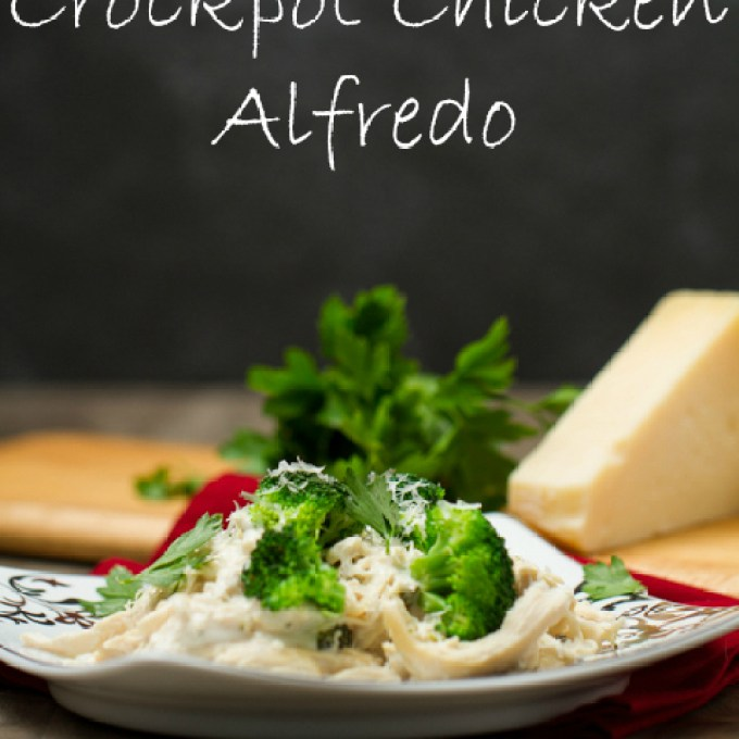 This lightened up version of one of your favorite Italian meals gets even better because the slow cooker does all the work! Crockpot Chicken Alfredo
