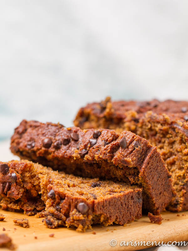 Pumpkin Ricotta Chocolate Chip Bead: Ultra soft and tender pumpkin bread loaded with dark chocolate chips for the perfect fall treat. Shhh it's healthier than you think!