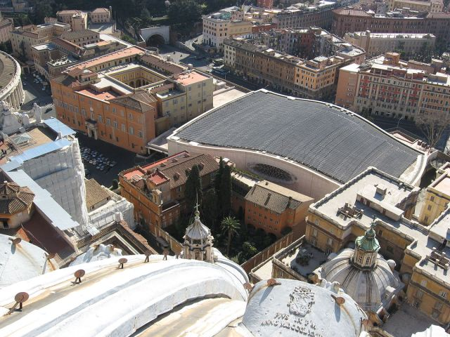 1200px-Aula_Paolo_VI-rooftop