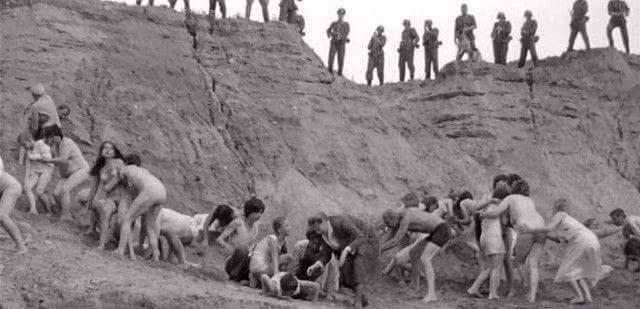Στο Μπάμπι Γιαρ, οι Γερμανοί δολοφόνησαν 94.000 Εβραίους, Τσιγγάνους και αιχμαλωτους