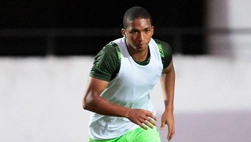 O meia Danilo Pires foi regularizado ontem e já pode ser utilizado no time do CRB (Foto: Marlon Costa/ Pernambuco Press)