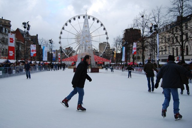 ice skating brussels yorkshire christmas blogmas a river of roses ariverofroses