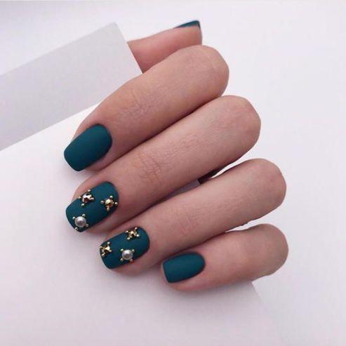 tomi nova nails- nails christmas festive blogmas a river of roses