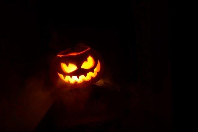 halloween pumpkins jack-o-lantern carved