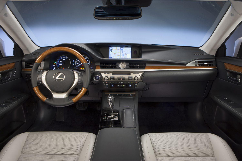 Test Drive 2013 Lexus ES 300h