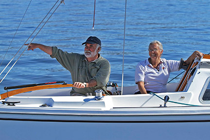 "Catalina 22 fleet leader Charles Ely says, ""That way!"" Photo: Chris Smith"