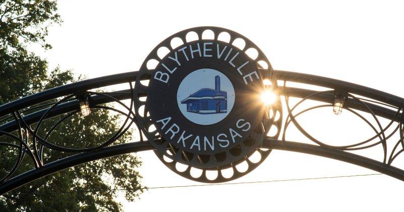 Blytheville Arkansas archway sign
