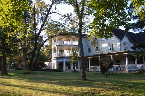 Pratt Place Inn Veranda