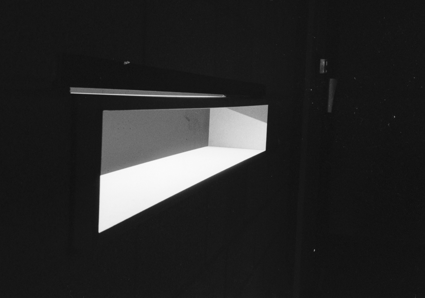 410 window 01
