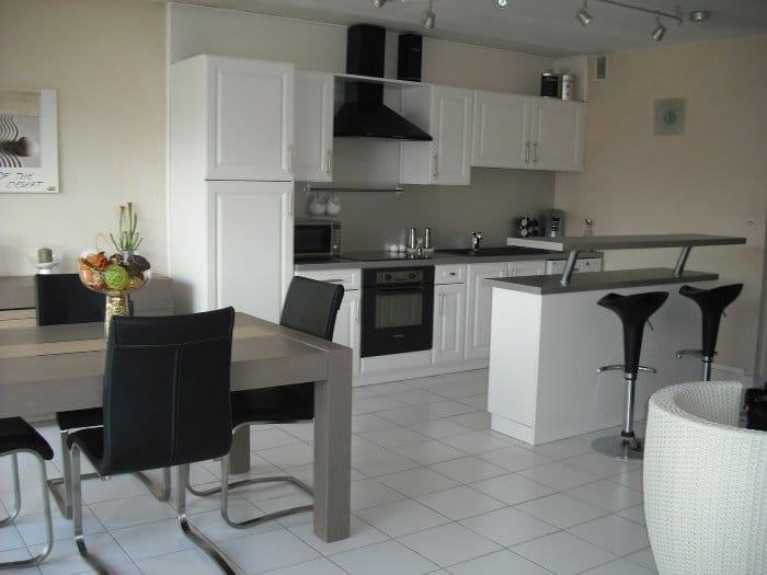 Come rinnovare la cucina in cinque mosse arkigo - Cambiare colore cucina ...