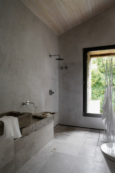 dezeen_Off-Grid-Home-in-Extremadura-by-Abaton_24