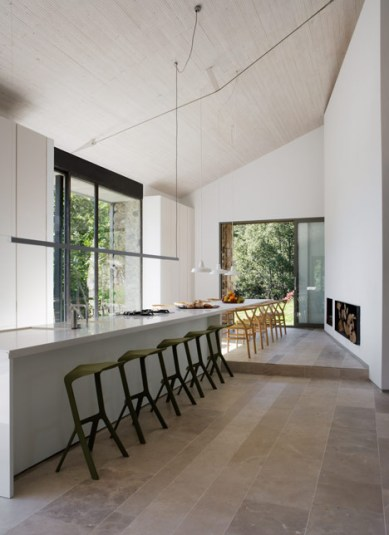 dezeen_Off-Grid-Home-in-Extremadura-by-Abaton_7