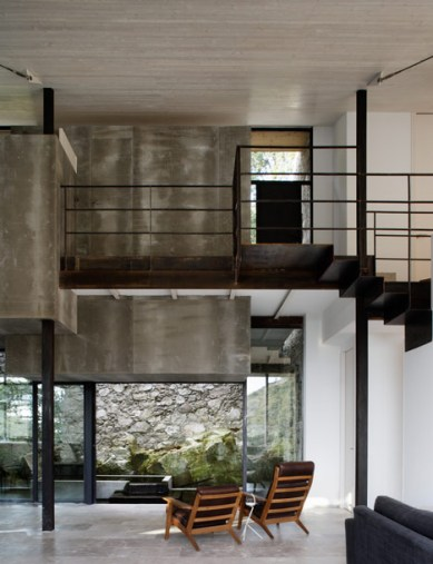 dezeen_Off-Grid-Home-in-Extremadura-by-Abaton_9