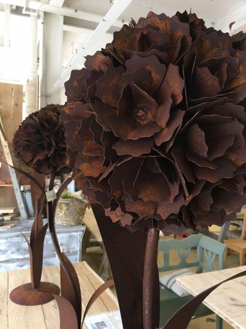 metal flowers vintage rusted industrial