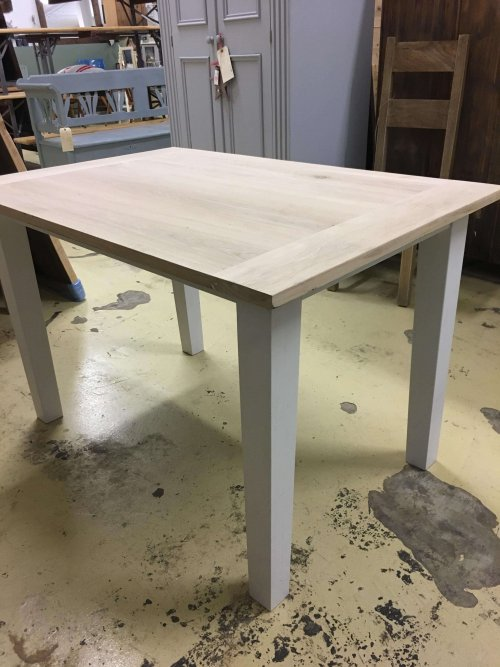 Table from reclaimed oak great smaller dining table!