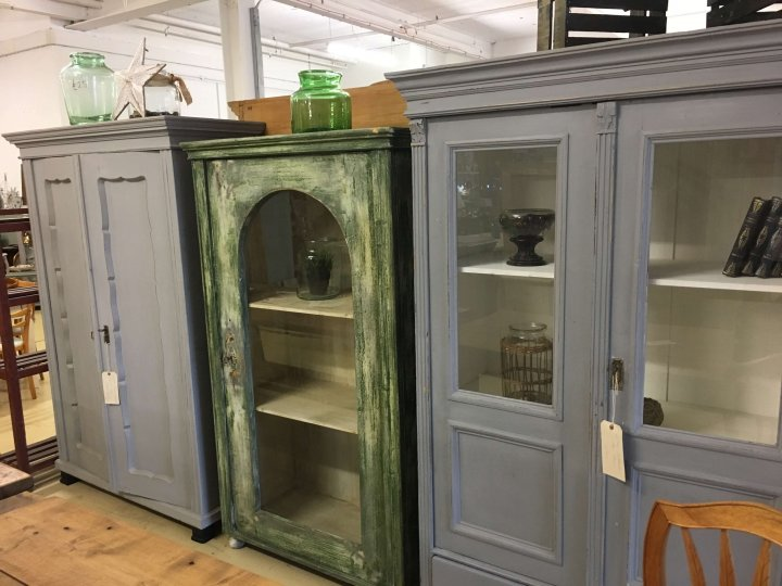 cupboards armoires storage