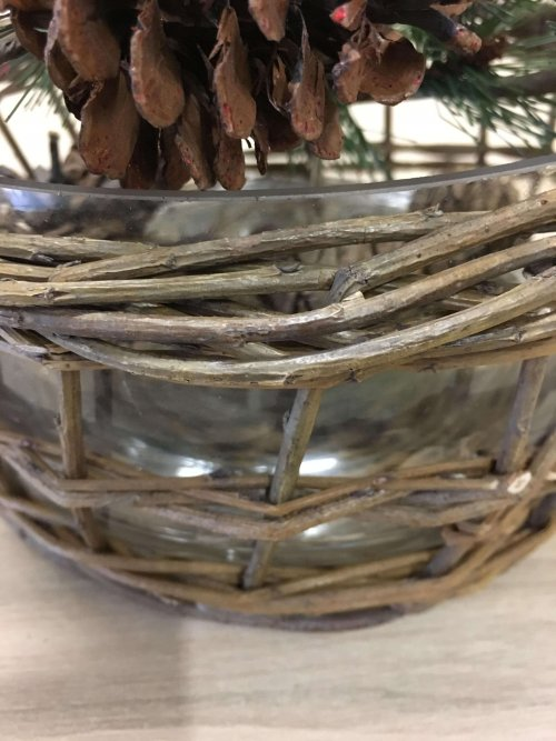 Wicker bowl with a removable glass inner