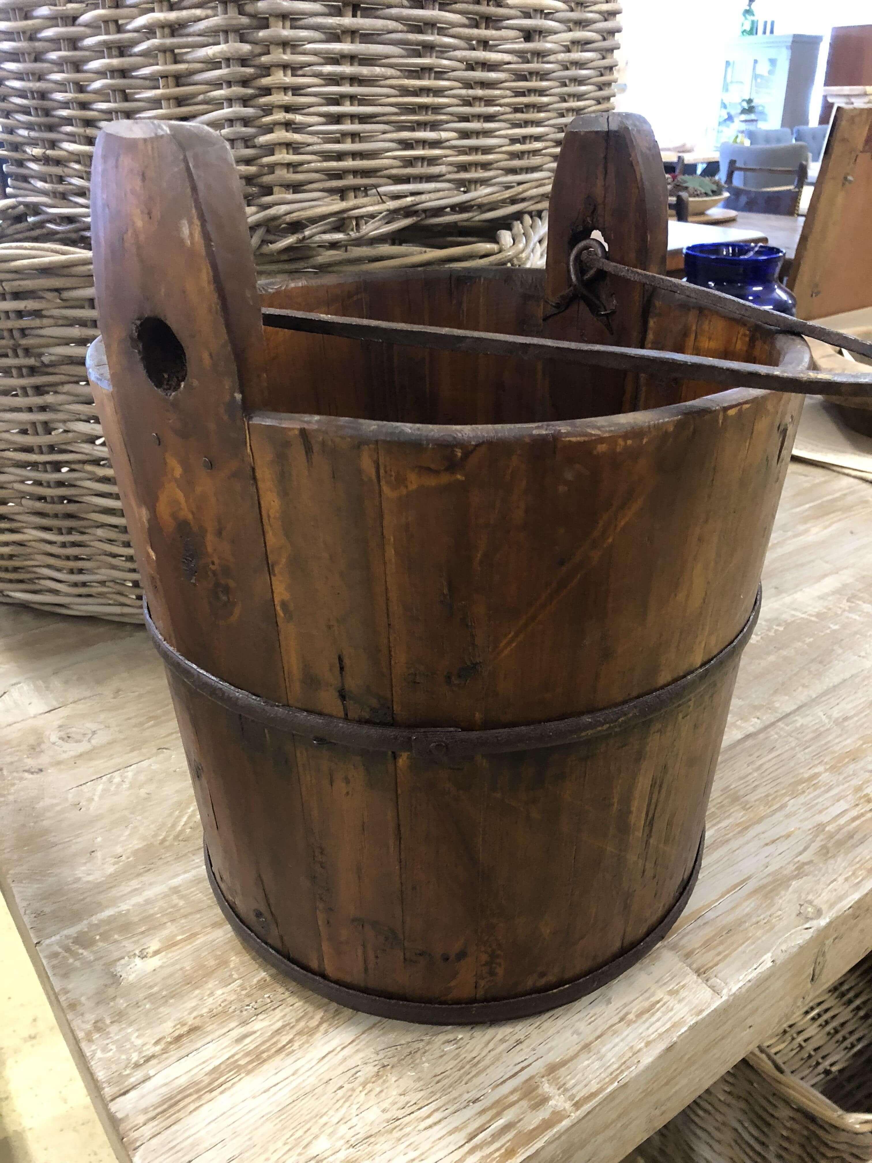 Vintage Wooden Bucket Ark Vintage Vintage Retro