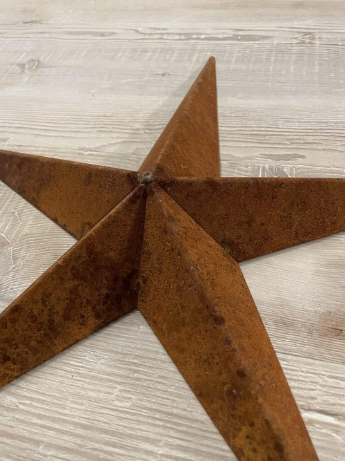 Metal Barn Stars from Arkvintage, made from welded steel, naturally rusted. Each star has a unique patina adding to it's charm. We love these for interior designs or for outdoor decoration in the garden or on the wall of your house. Now reduced and still including P&P
