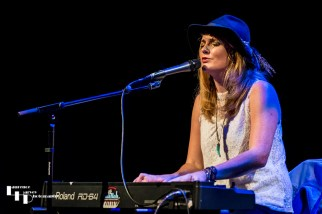 Elles Bailey on keys