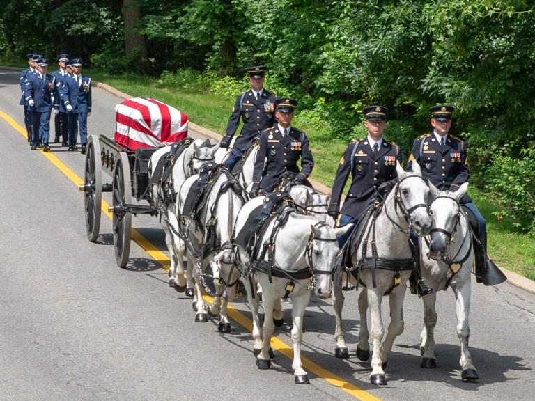 US Air Force escorts an Arlington Caisson