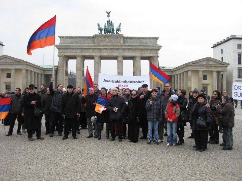hely közötti találkozó örmény)
