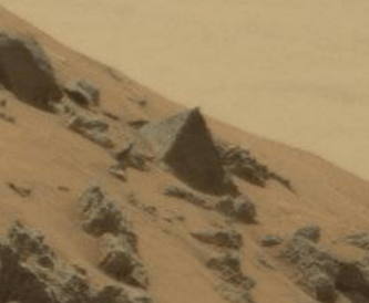 NASA's Curiosity Rover Snaps Pyramid On Mars, Is This ...