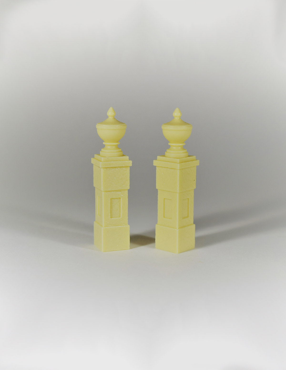 Pedestals W Urns
