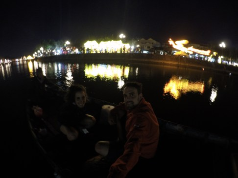 Paseo nocturno en barco