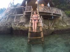 En Spider Bar, un lugar imperdible que ver en Boracay