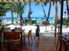 La vista de White Beach desde el hotel